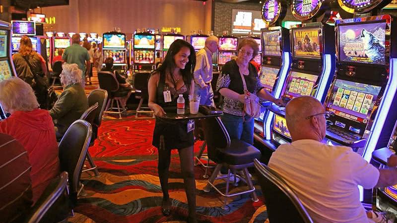 Лутраки казино